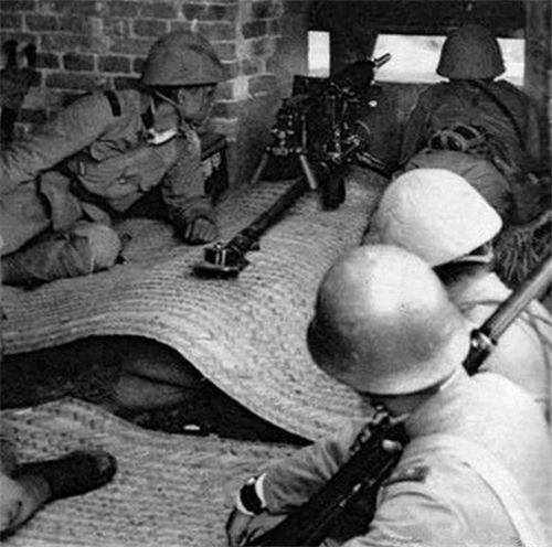 抗战中,我军为何老喜欢打鬼子炮楼,日本俘虏含泪道出真相